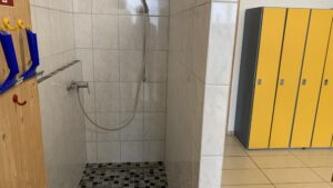 Neue Dusche im CKI/AZUNU